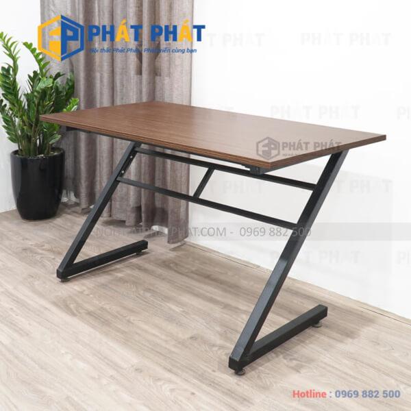 Làm thế nào để lựa chọn được mẫu bàn làm việc chân sắt phù hợp - 1
