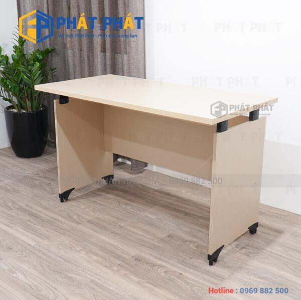 Thiết kế văn phòng với những mẫu bàn làm việc đơn giản - 1